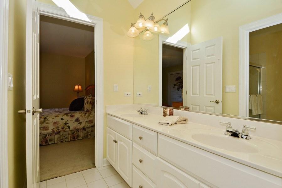 Real Estate Photography - 1126 Chadwick Ct, Aurora, IL, 60502 - Jack & Jill Bathroom