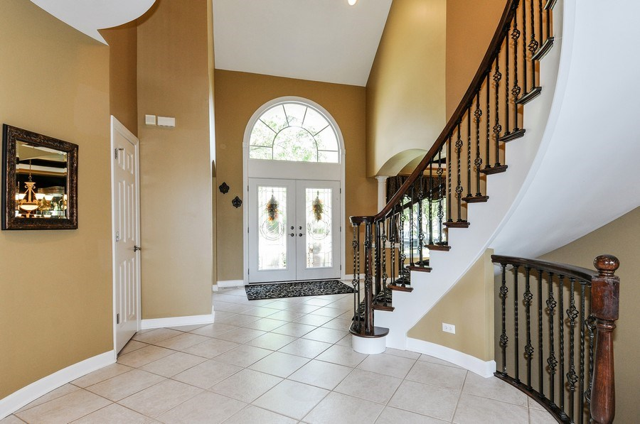 Real Estate Photography - 1126 Chadwick Ct, Aurora, IL, 60502 - Entryway
