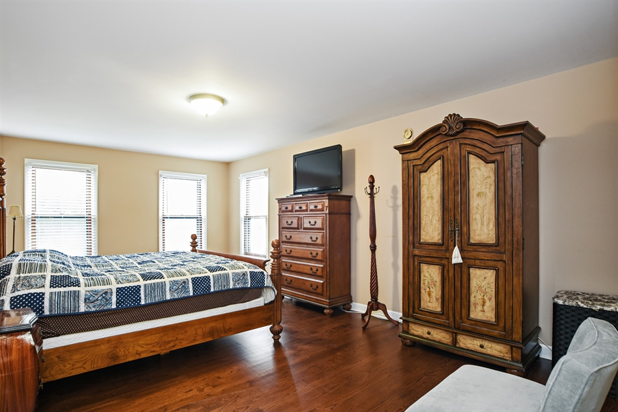 Real Estate Photography - 33521 N. Ivy Lane, Grayslake, IL, 60030 - MASTER BEDROOM