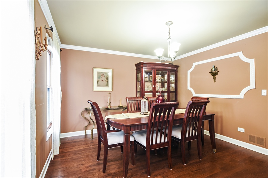 Real Estate Photography - 33521 N. Ivy Lane, Grayslake, IL, 60030 - DINING ROOM