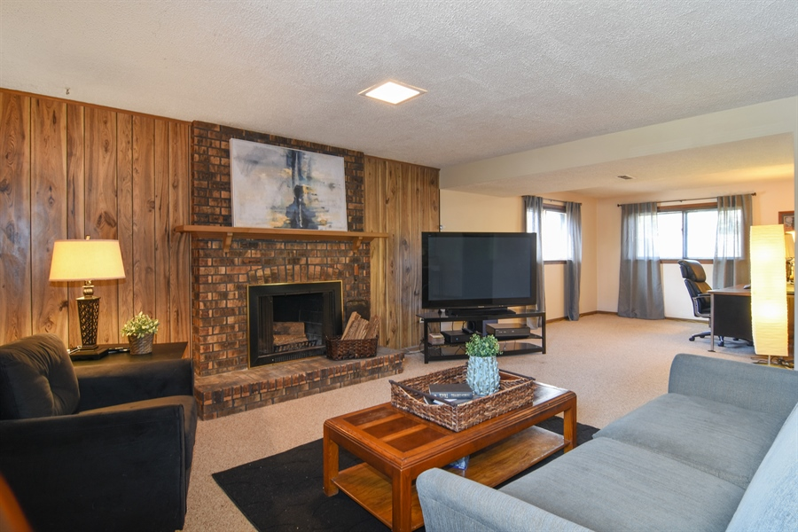 Real Estate Photography - 3241 N. Volz Drive, Arlington Heights, IL, 60004 - Family Room