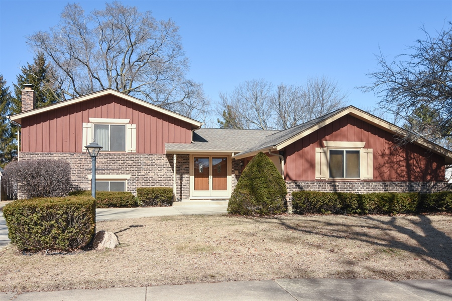 Real Estate Photography - 3241 N. Volz Drive, Arlington Heights, IL, 60004 - Front View