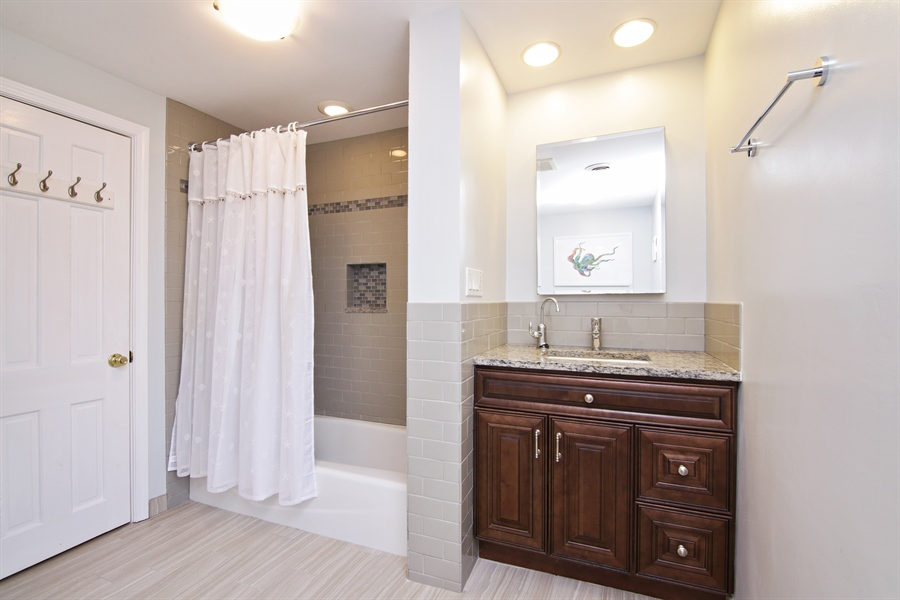 Real Estate Photography - 208 E. Marion Avenue, Prospect Heights, IL, 60070 - Bathroom