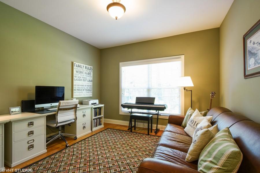 Real Estate Photography - 218 Victoria Street, Barrington, IL, 60010 -
