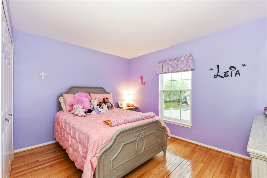 Real Estate Photography - 1042 Spinnaker St, Elgin, IL, 60123 - 4th Bedroom