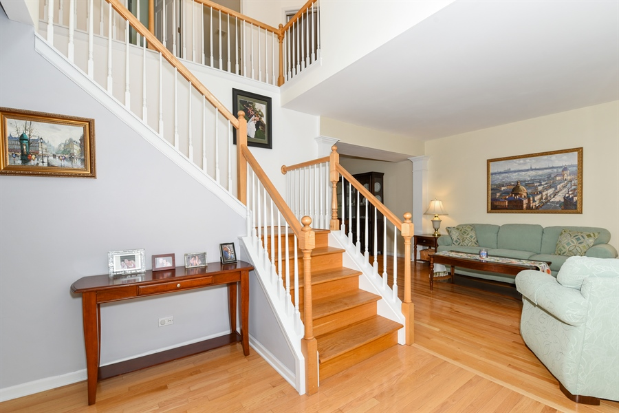 Real Estate Photography - 1042 Spinnaker St, Elgin, IL, 60123 - Foyer
