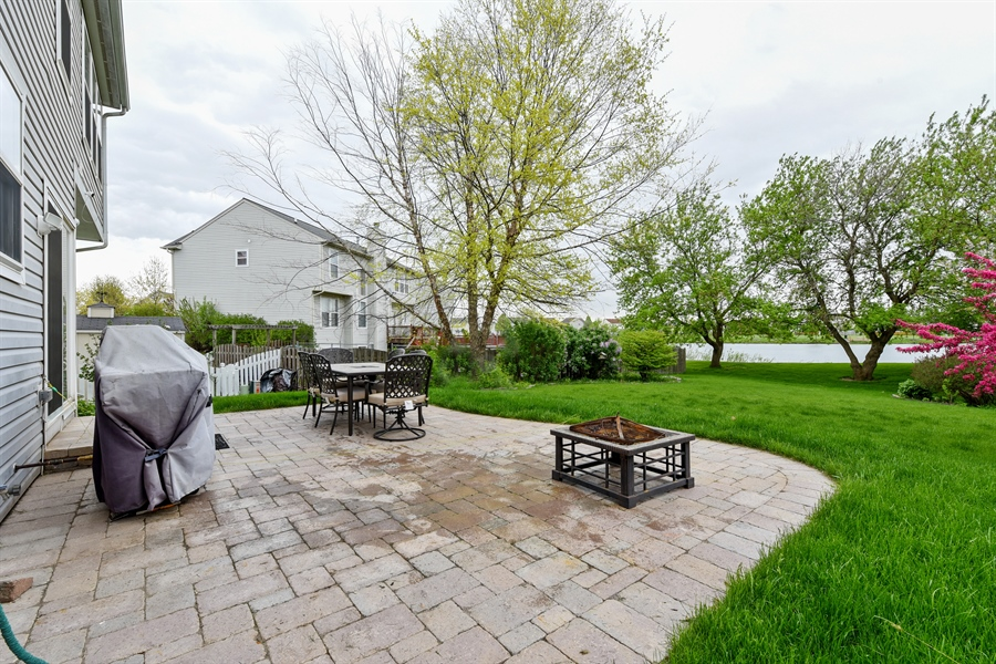 Real Estate Photography - 1042 Spinnaker St, Elgin, IL, 60123 - Patio
