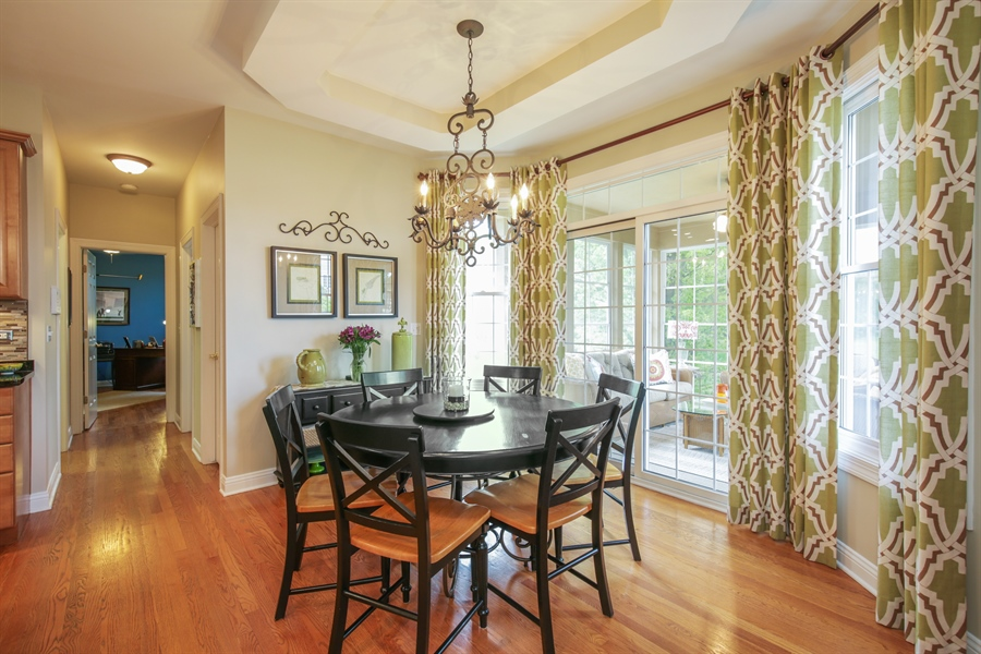 Real Estate Photography - 2811 Skyline Drive, Crystal Lake, IL, 60012 - Kitchen / Breakfast Room