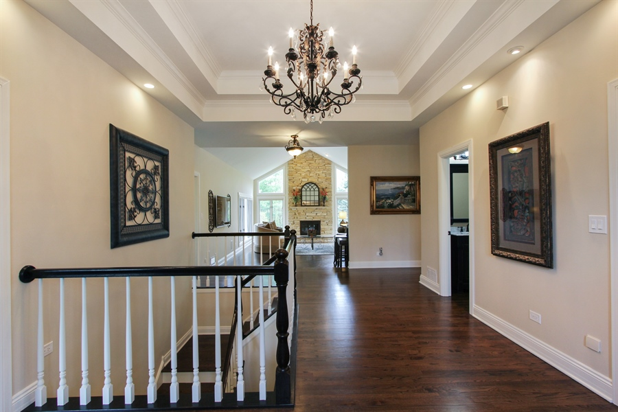 Real Estate Photography - 9 Wescott Drive, South Barrington, IL, 60010 - Foyer