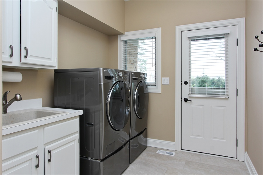 Real Estate Photography - 9 Wescott Drive, South Barrington, IL, 60010 - Laundry Room
