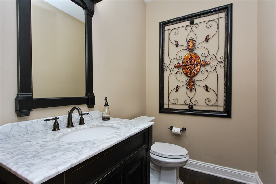 Real Estate Photography - 9 Wescott Drive, South Barrington, IL, 60010 - Powder Room