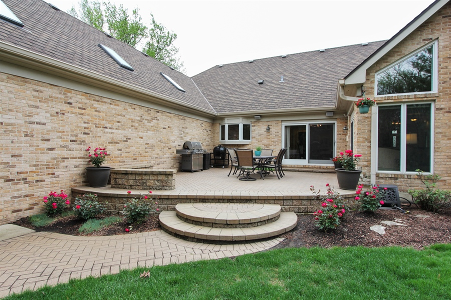 Real Estate Photography - 9 Wescott Drive, South Barrington, IL, 60010 - Patio