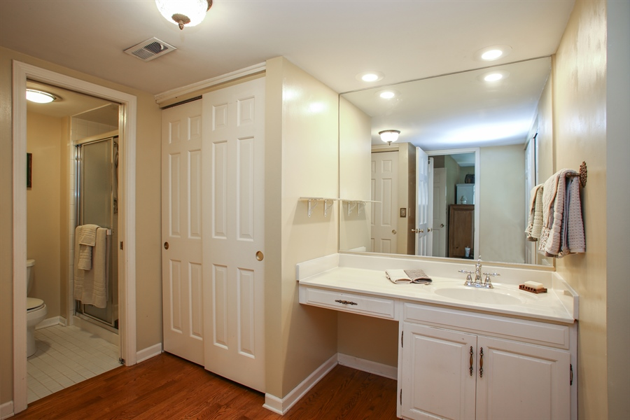 Real Estate Photography - 2 Knoll Ridge Road, Rolling Meadows, IL, 60008 - Master Bathroom