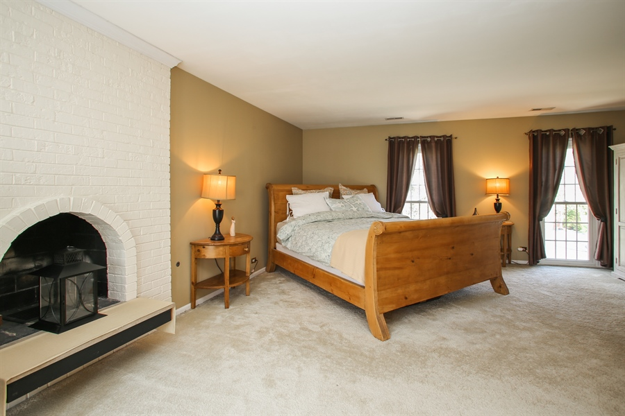 Real Estate Photography - 2 Knoll Ridge Road, Rolling Meadows, IL, 60008 - Master Bedroom