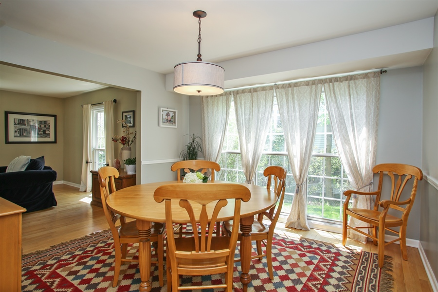 Real Estate Photography - 2 Knoll Ridge Road, Rolling Meadows, IL, 60008 - Dining Room
