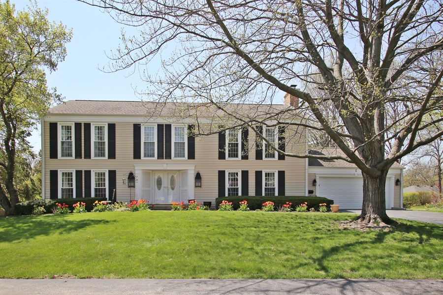 Real Estate Photography - 2 Knoll Ridge Road, Rolling Meadows, IL, 60008 - Front View