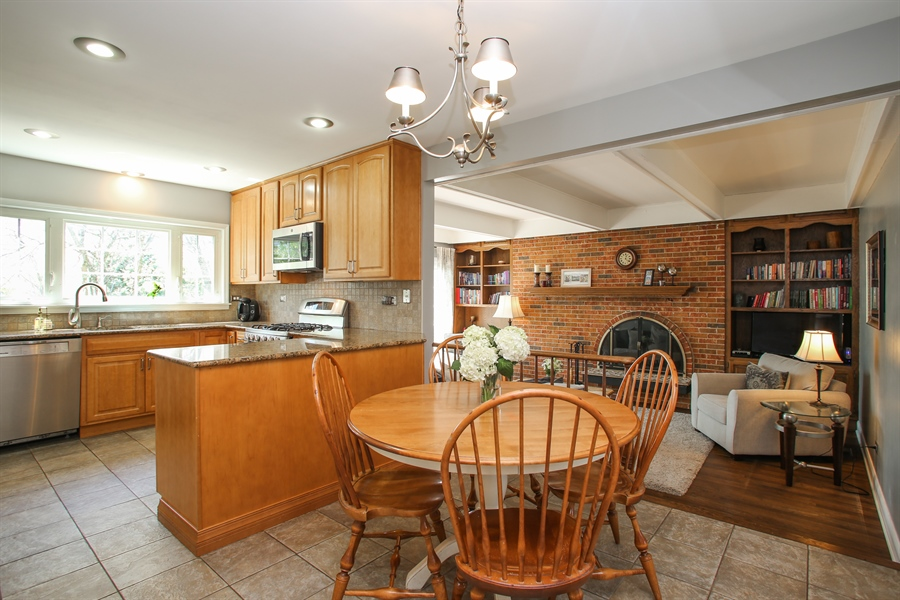 Real Estate Photography - 2 Knoll Ridge Road, Rolling Meadows, IL, 60008 - Family Room / Kitchen