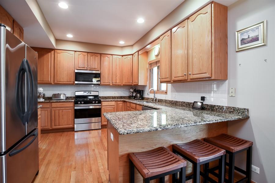 Real Estate Photography - 296 Parker Drive, Grayslake, IL, 60030 - Kitchen