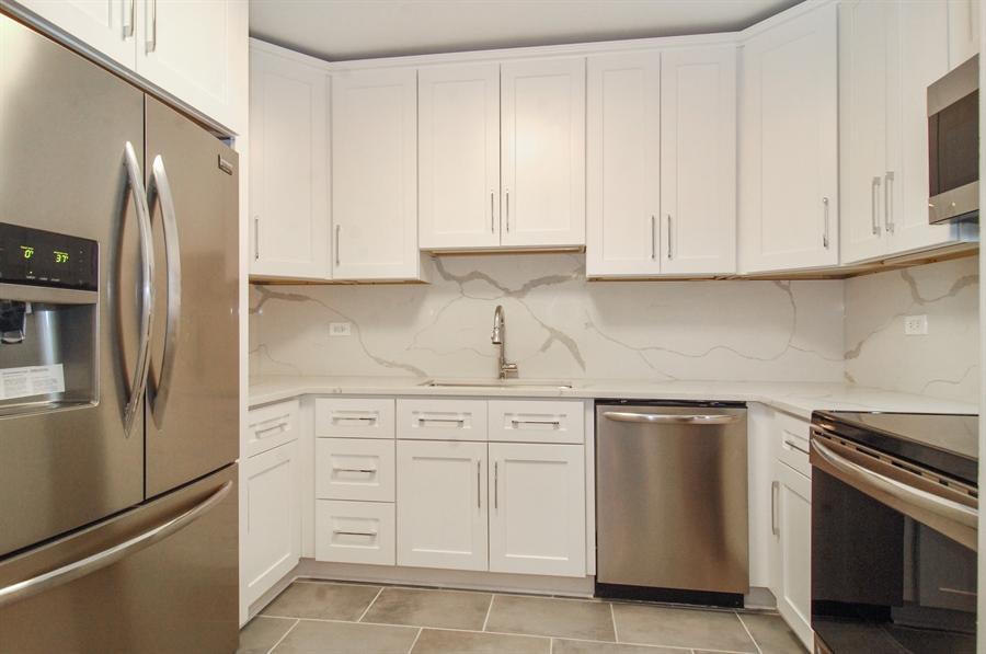 Real Estate Photography - 100 E. Bellevue Place, Unit 12C, Chicago, IL, 60611 - Kitchen