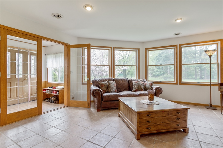Real Estate Photography - 26166 N. Orchard Road, North Barrington, IL, 60010 - Main Entrance / Living Room