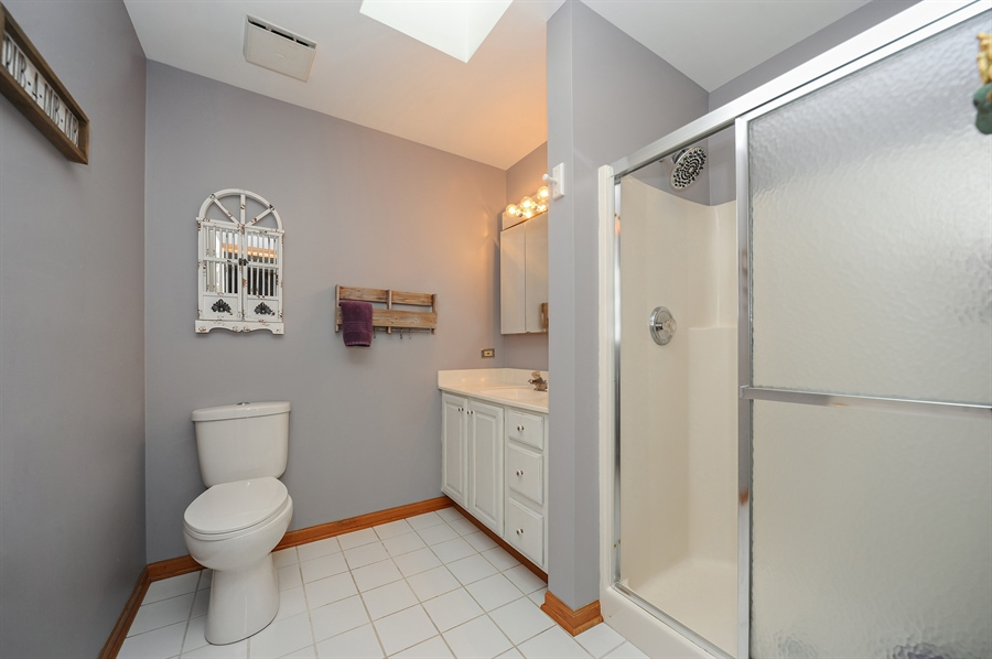 Real Estate Photography - 3616 Sigwalt St, Rolling Meadows, IL, 60008 - Master Bathroom