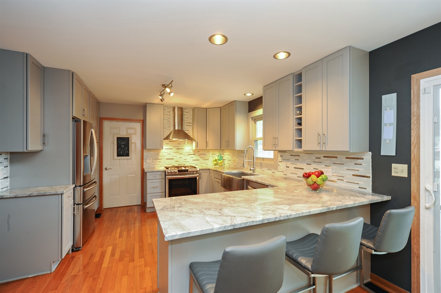 Real Estate Photography - 3616 Sigwalt St, Rolling Meadows, IL, 60008 - Kitchen / Breakfast Room