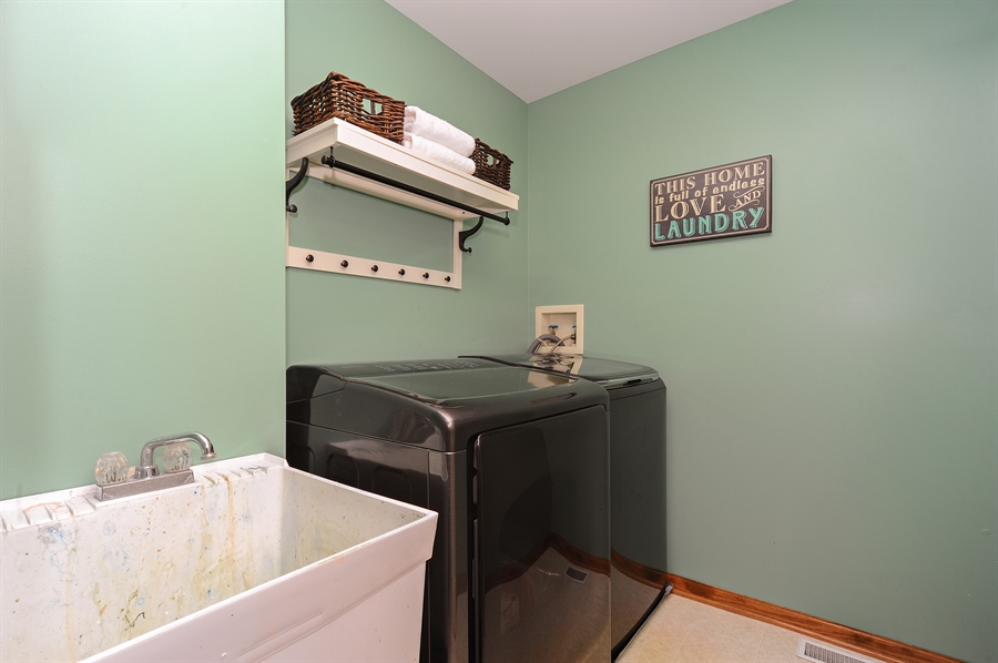 Real Estate Photography - 3616 Sigwalt St, Rolling Meadows, IL, 60008 - Laundry Room