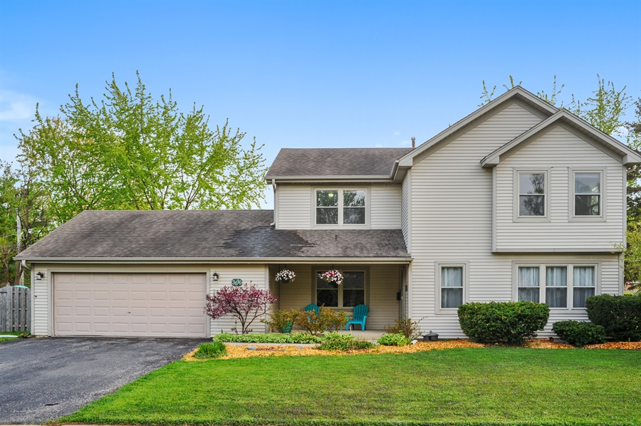 Real Estate Photography - 3616 Sigwalt St, Rolling Meadows, IL, 60008 - Front View