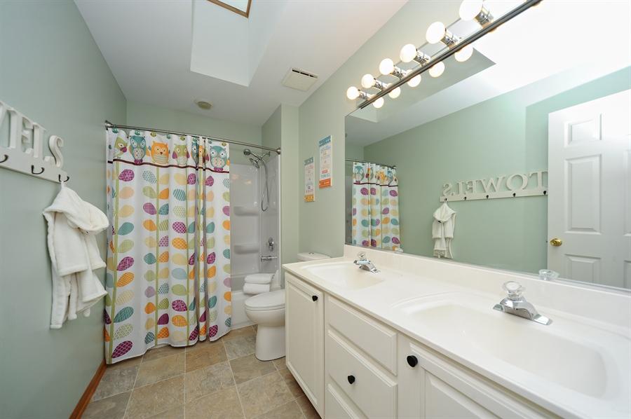 Real Estate Photography - 3616 Sigwalt St, Rolling Meadows, IL, 60008 - Bathroom