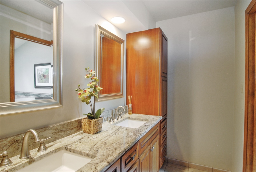 Real Estate Photography - 1536 Meadowland Drive, Naperville, IL, 60540 - Master Bathroom