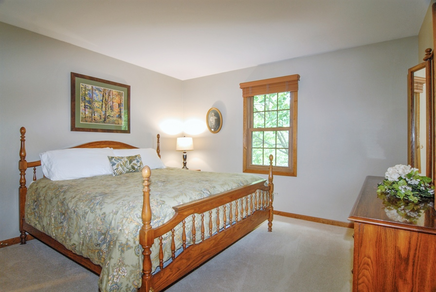 Real Estate Photography - 1536 Meadowland Drive, Naperville, IL, 60540 - 3rd Bedroom