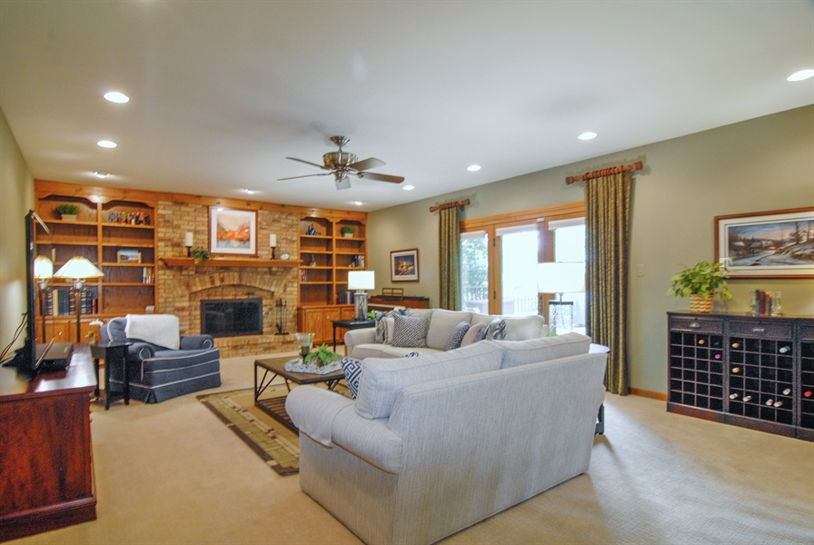 Real Estate Photography - 1536 Meadowland Drive, Naperville, IL, 60540 - Family Room
