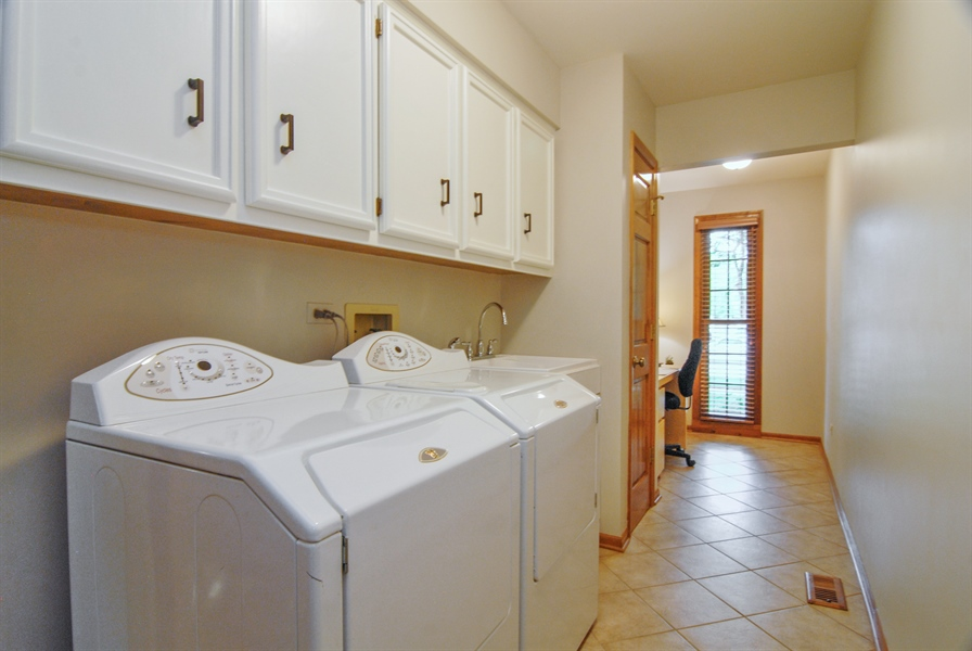 Real Estate Photography - 1536 Meadowland Drive, Naperville, IL, 60540 - Laundry Room