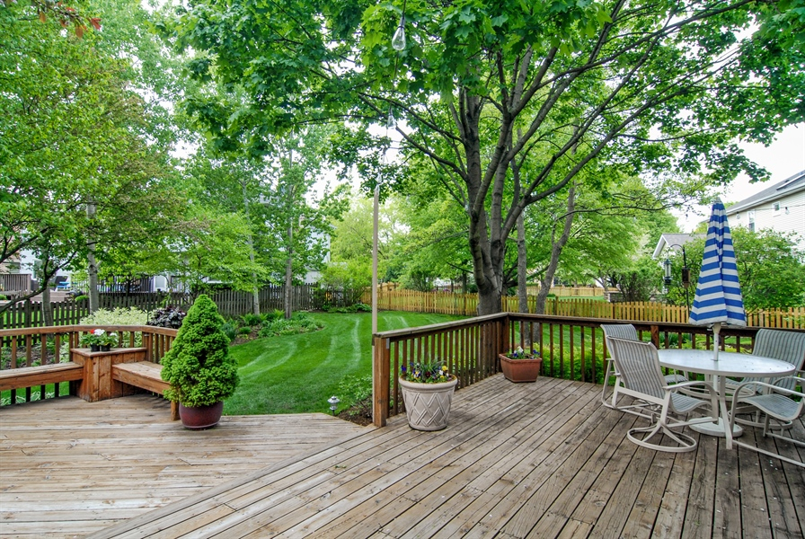 Real Estate Photography - 1536 Meadowland Drive, Naperville, IL, 60540 - Deck