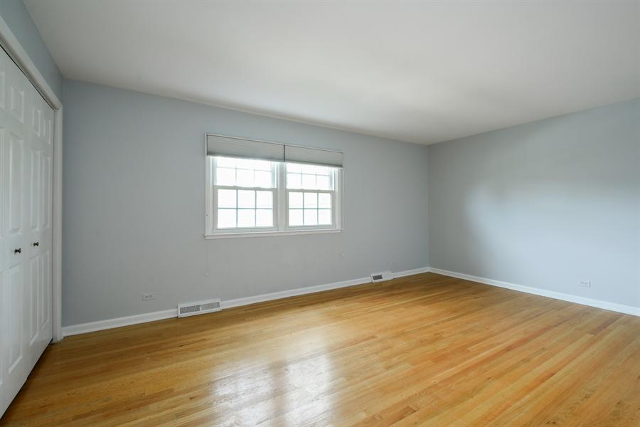 Real Estate Photography - 907 W. SIGWALT Street, Arlington Heights, IL, 60005 - 2nd Bedroom