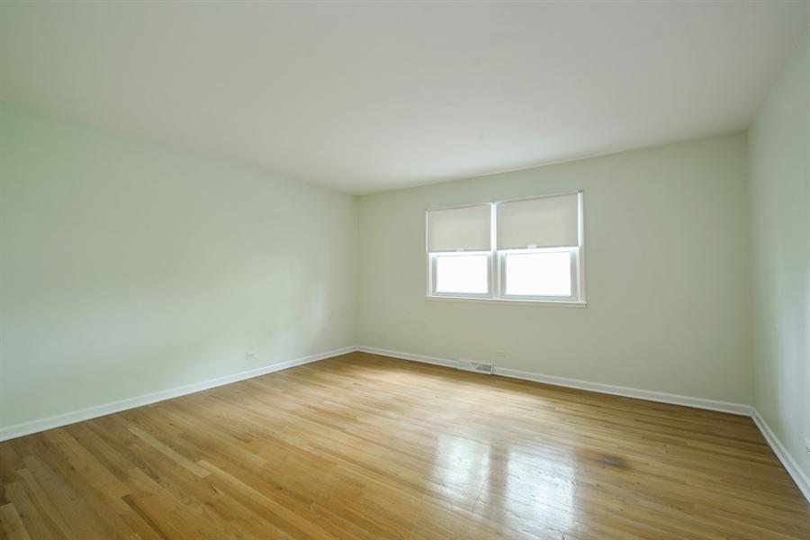 Real Estate Photography - 907 W. SIGWALT Street, Arlington Heights, IL, 60005 - 3rd Bedroom