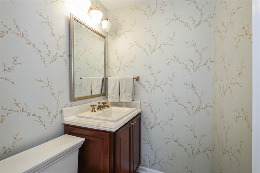 Real Estate Photography - 907 W. SIGWALT Street, Arlington Heights, IL, 60005 - Powder Room
