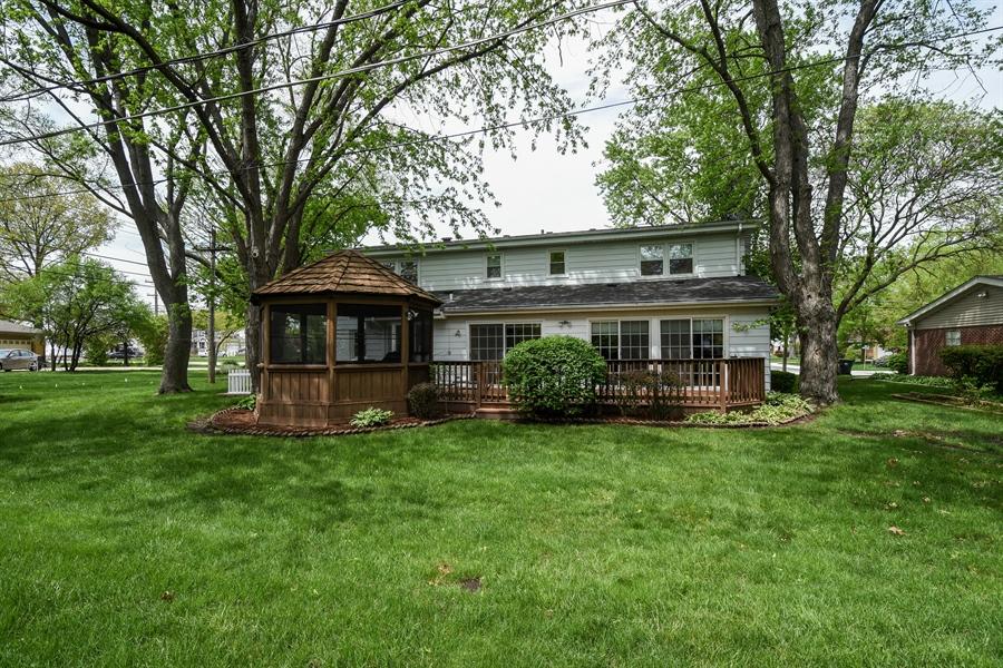 Real Estate Photography - 907 W. SIGWALT Street, Arlington Heights, IL, 60005 - Rear View