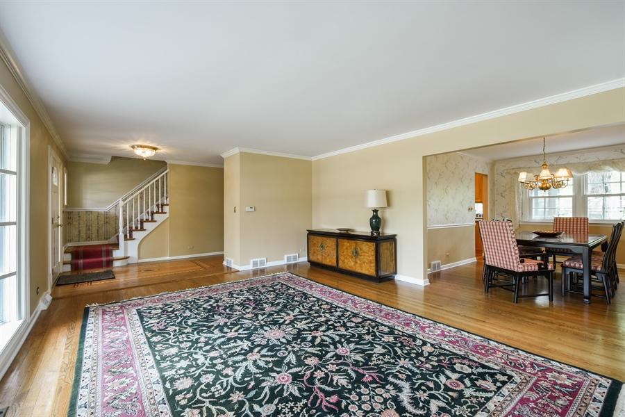 Real Estate Photography - 907 W. SIGWALT Street, Arlington Heights, IL, 60005 - Living Room / Dining Room