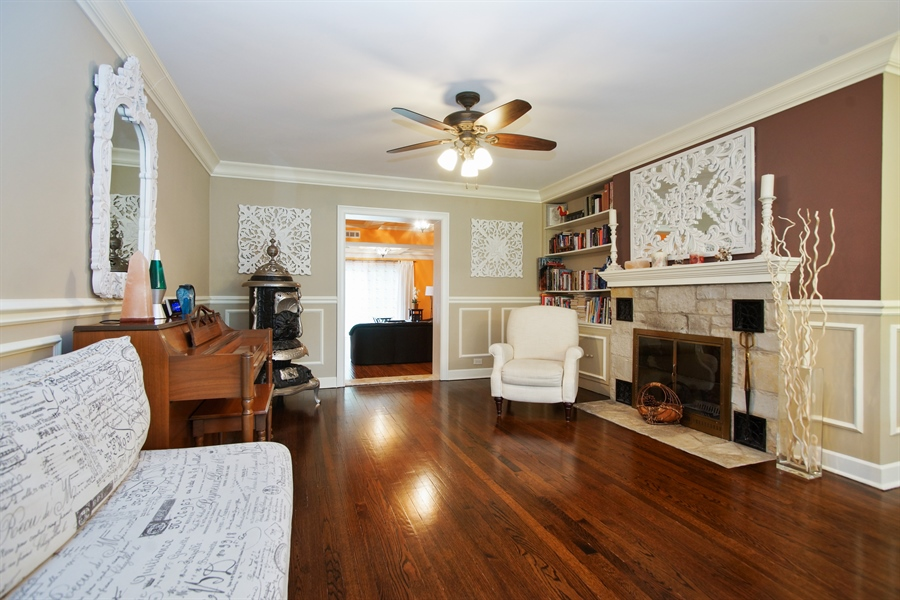 Real Estate Photography - 823 S. Arlington Heights Road, Arlington Heights, IL, 60005 - Living Room