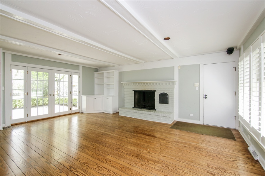 Real Estate Photography - 4024 BRITTANY Court, Northbrook, IL, 60062 - Family Room
