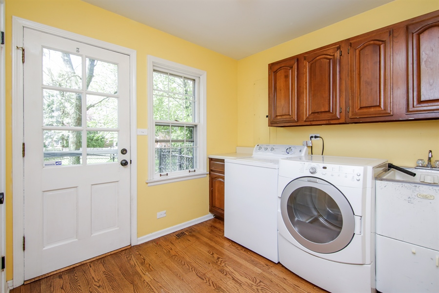 Real Estate Photography - 4024 BRITTANY Court, Northbrook, IL, 60062 - Laundry Room
