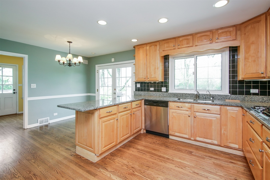 Real Estate Photography - 4024 BRITTANY Court, Northbrook, IL, 60062 - Kitchen