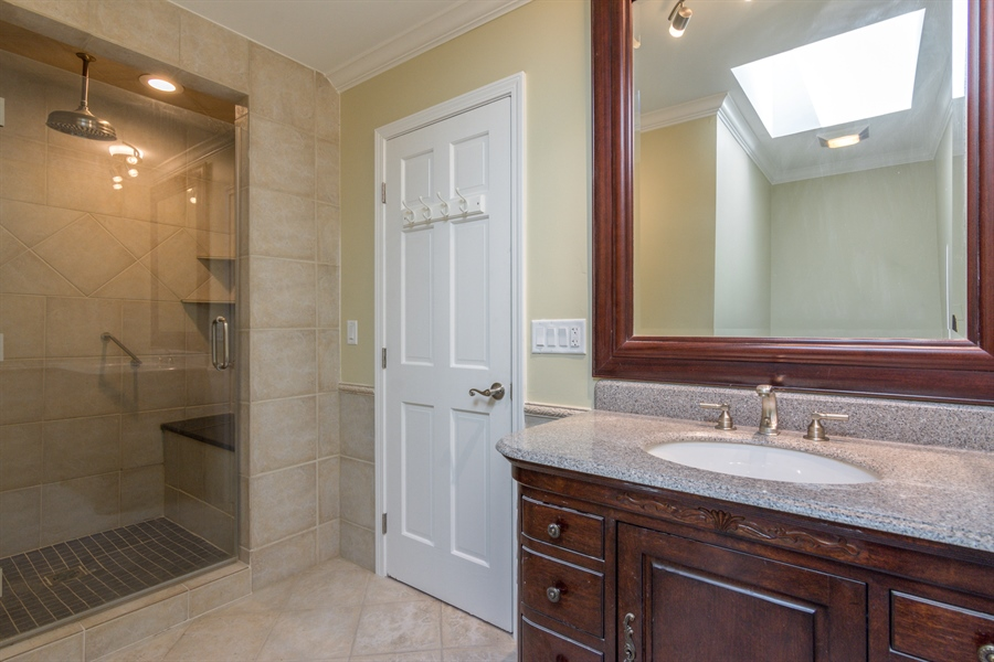 Real Estate Photography - 1980 Clover Drive, Inverness, IL, 60067 - 2nd Bathroom