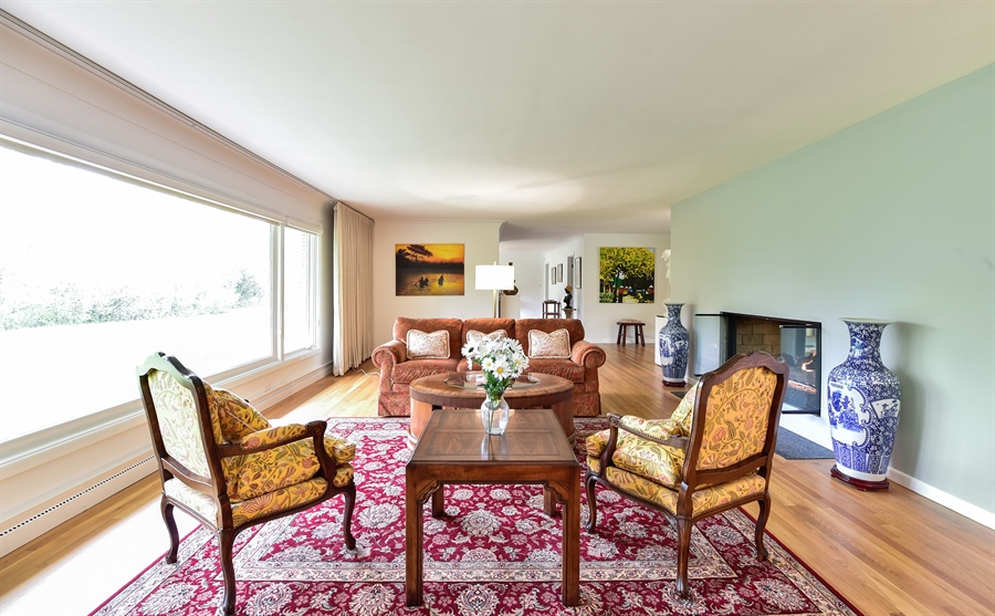Real Estate Photography - 1929 Vollmer Road, Flossmoor, IL, 60422 - Living Room