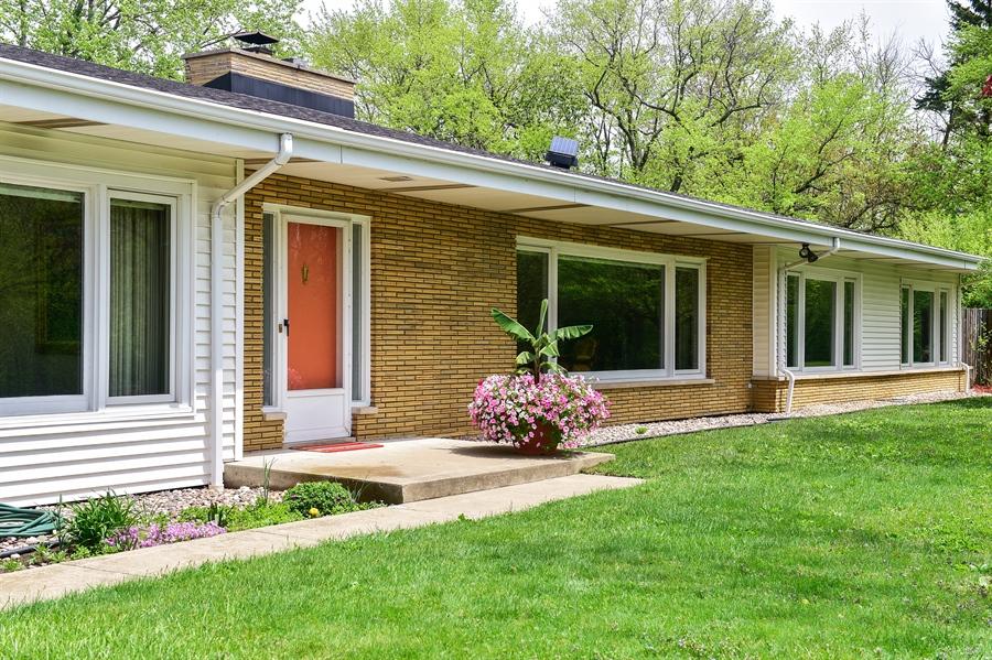 Real Estate Photography - 1929 Vollmer Road, Flossmoor, IL, 60422 - Entrance