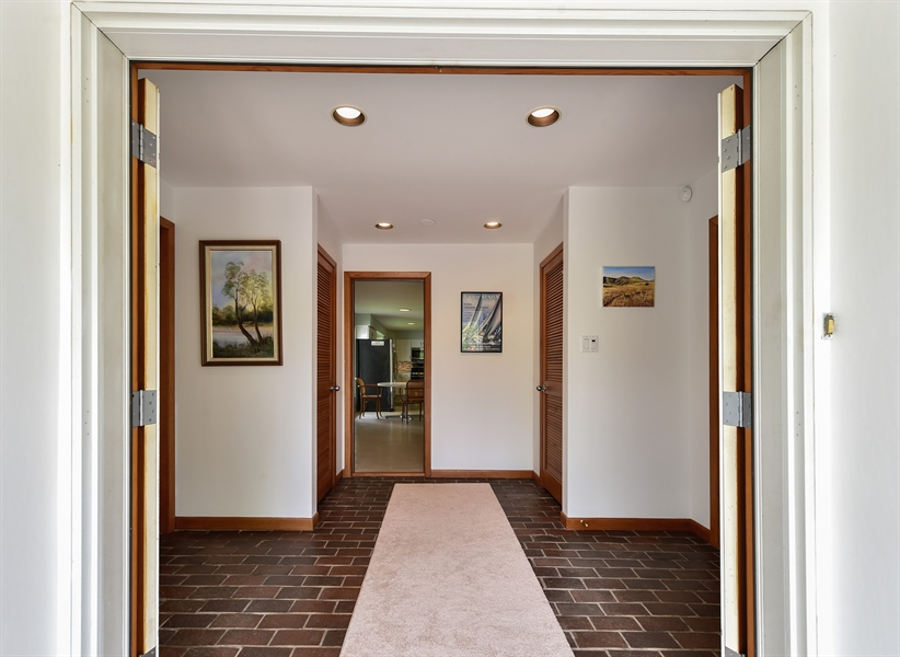 Real Estate Photography - 1929 Vollmer Road, Flossmoor, IL, 60422 - Foyer