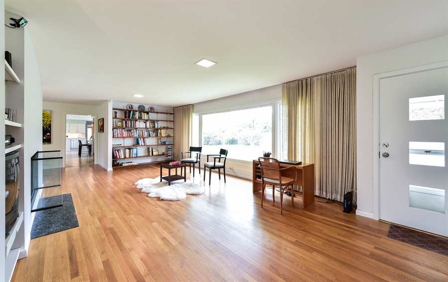 Real Estate Photography - 1929 Vollmer Road, Flossmoor, IL, 60422 - Reading Room