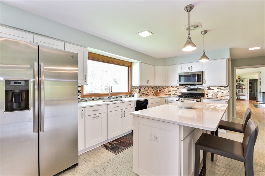 Real Estate Photography - 1929 Vollmer Road, Flossmoor, IL, 60422 - Kitchen