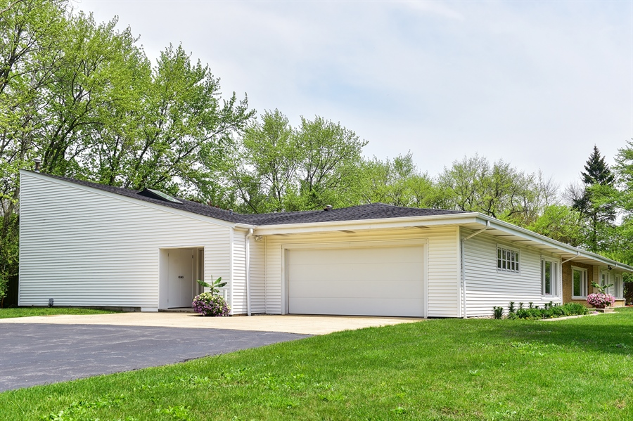 Real Estate Photography - 1929 Vollmer Road, Flossmoor, IL, 60422 - Front View